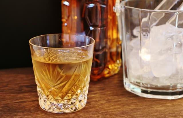 ウィスキーの水割り