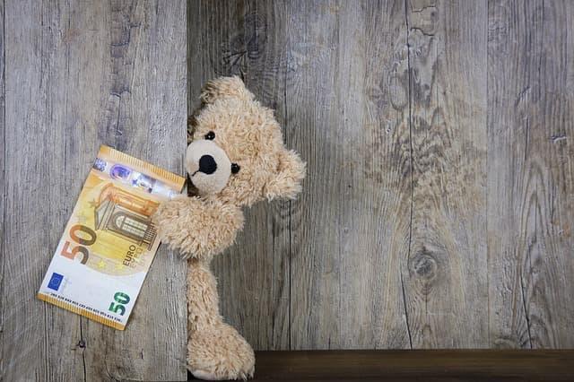 お金をもっていクマ