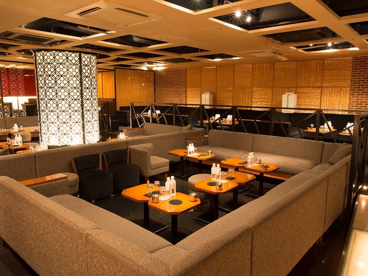 歌舞伎町のキャバクラ「アジアンクラブ」の店内写真5
