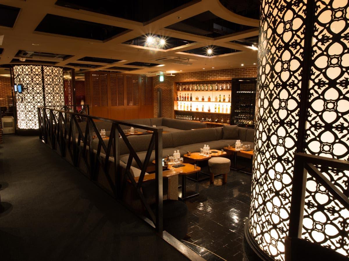 歌舞伎町のキャバクラ「アジアンクラブ」の店内写真3